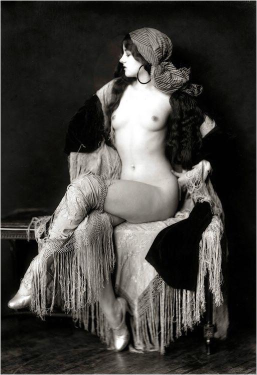 меня моё старинные эротические фото девушек этот